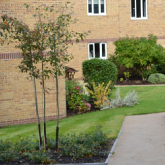 Flats Grounds Maintenance in Hertfordshire, Essex, Bedfordshire, London, Buckinghamshire & Northampton